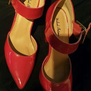 Shoes - Red heel