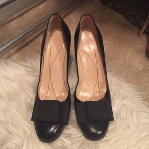kate spade Shoes - Kate spade bow pumps