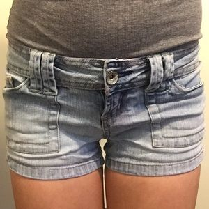 Light wash denim shorts, junior size 1