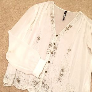 PLENTY BY TRACY REESE Beaded Button Up Top
