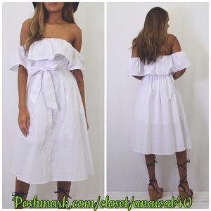 Tea n Cup Dresses & Skirts - HP Athens Off Shoulder Dress