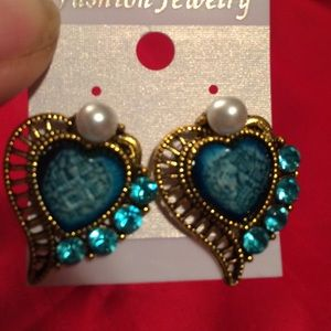 Gold & blue heart earrings. pearls & blue crystals