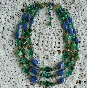 Gorgeous vintage beaded necklace