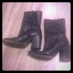 Black leather Frye heeled boots. Size 6
