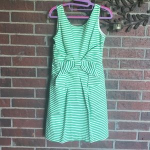 new directions Dresses & Skirts - New directions green & white bow dress size 6