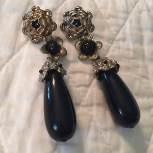 Jewelry - Black and brass earrings