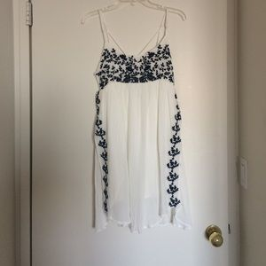 Lulu's Dresses & Skirts - Lulu's White dress with navy floral detail