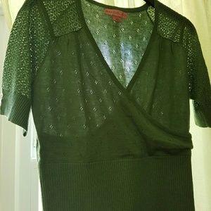 Bandolino ( L) green sweater