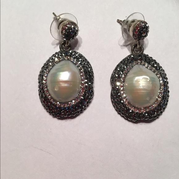 Jewelry - Baroque pearls earrings