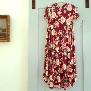 Dresses & Skirts - Maroon floral swing dress