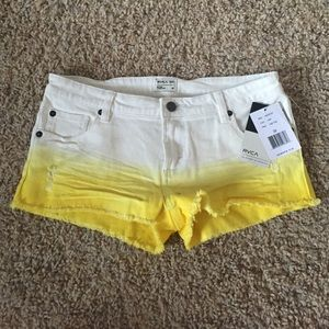 RVCA size 28 shorts the fade from yellow to white