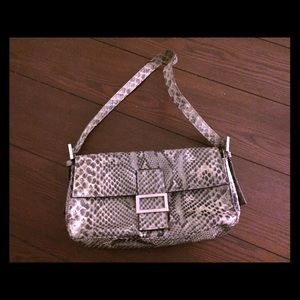 Mini A Ture Handbags - Snake skin looking hand purse