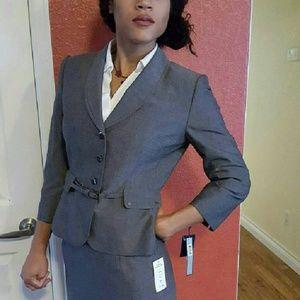 T Tahari Dresses & Skirts - Sharp 2pc Nwt