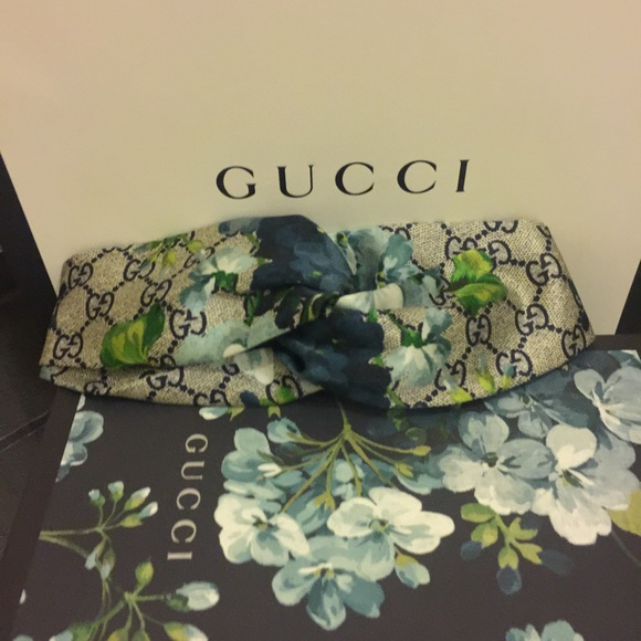 4f587df5f23 Gucci Accessories - Gucci GG Blooms print silk headband