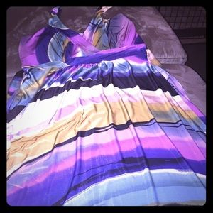 Dresses & Skirts - Adorable multicolored dress