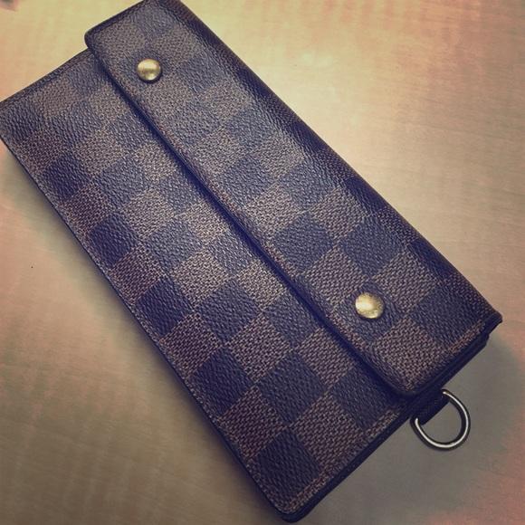 858a24e972e8 Louis Vuitton Handbags - LV Damier Ebene Accordion Wallet