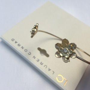 LC Lauren Conrad Beautiful Gold flower bangle