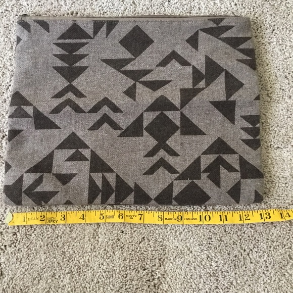 Mossimo Supply Co. Bags - Beautiful Printed clutch