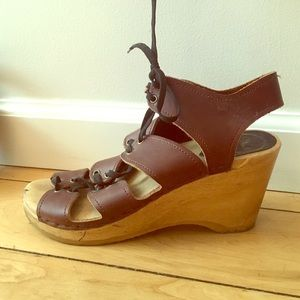No. 6 Boutique brand lace up wedge clogs 8