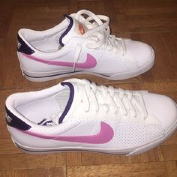 women's sweet classic leather nikes!pink and white