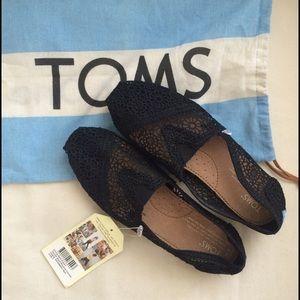 TOMS Black Moroccan Crochet Women's classic shoes