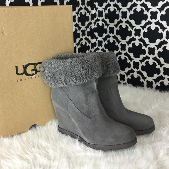 4211d0dfef91 🆕LISTING UGG Kyra Gray Wedge Boot  71