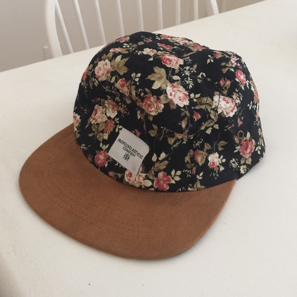 7f97ce3425639 Urban Outfitters Accessories