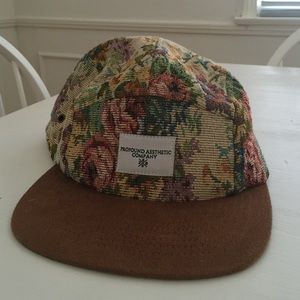 760cd38abc7c9 Urban Outfitters Floral Vintage-Style Hat Hummingbird ...