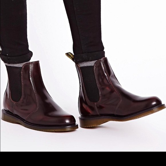 36 off dr martens shoes sold dr martens flora arcadia. Black Bedroom Furniture Sets. Home Design Ideas