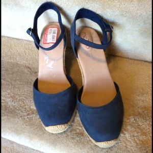 me too Shoes - Sale🎉Me Too blue suede rope wedges NWT