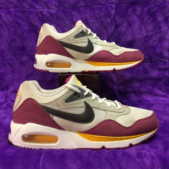 reputable site 2795d 5c899 NIKE AIR MAX CORRELATE Washington Redskins 40.5 w9.  M 57c786d44e95a3b689000a38