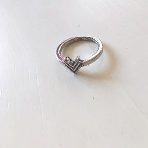 Boutique Jewelry - Midi Silver Triangle Boho Ring