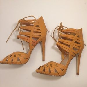 Shoe Dazzle Shoes - 🌟NWOT Snake Embossed Lace Up Heels🌟