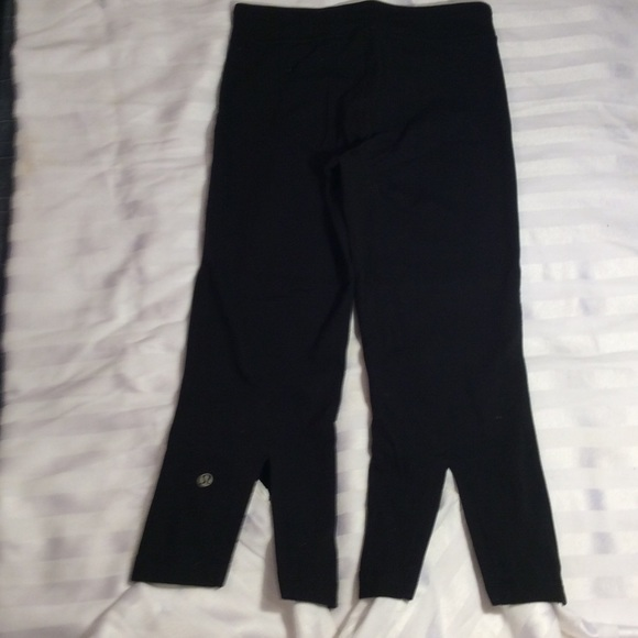 f4c6c7fbd49eb lululemon athletica Pants - Lululemon black Capri crop yoga pants Back slits  4
