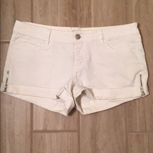 Forever 21 Pants - White Shorts with Zippers on sides!