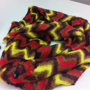 Accessories - Stunning faux  fur soft infinity scarf