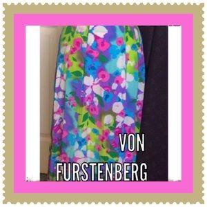 Vintage / Silk Skirt / Vibrant / D V Furstenberg
