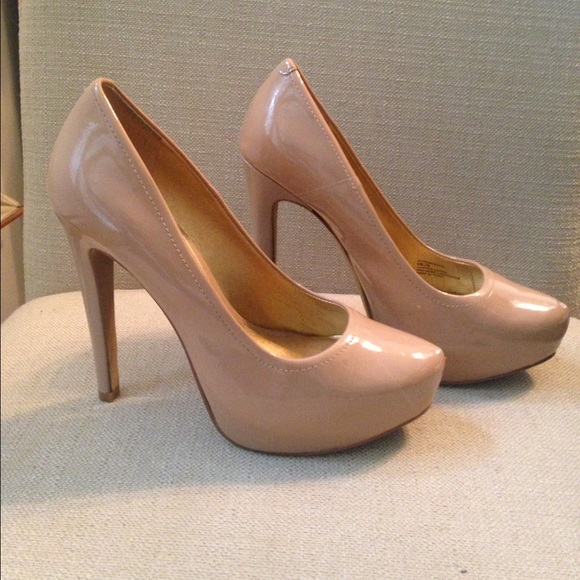 ff1e18120cfa Jessica Simpson Shoes - Jessica Simpson Nude Patent Leather Platform Pumps