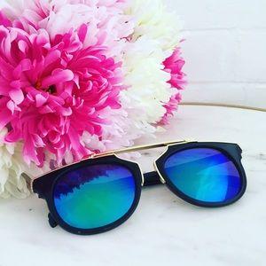 "Erica Rose Accessories - ""Madeline"" Sunglasses    Black & Blue Mirror"