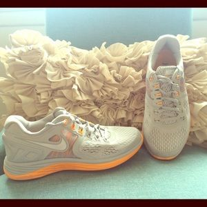 Nike Lunarglide-Size 7