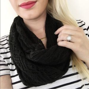 Accessories - NEW! Cozy knit infinity scarf black