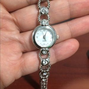 Women's Quartz Bracelet Watch W/Heart Shape Link