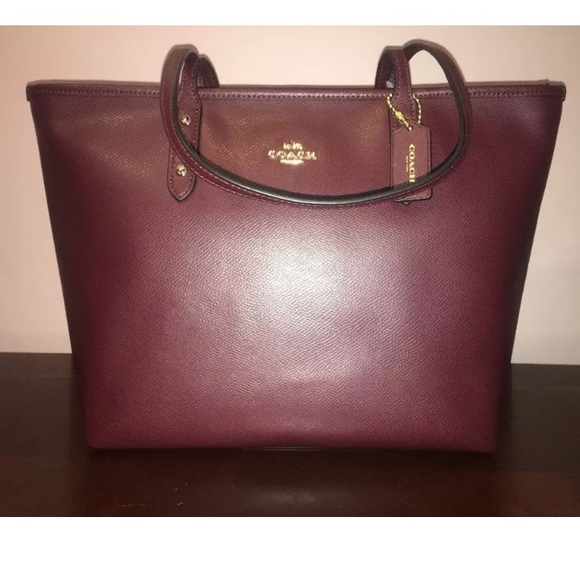177d94b322 Authentic COACH Burgundy Tote OXBLOOD Zip Bag