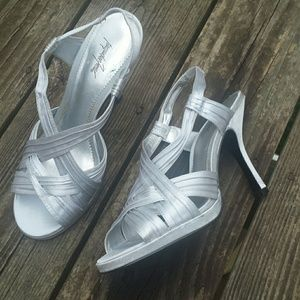 Jacqueline Ferrar Shoes - Flash Sale Silver heels