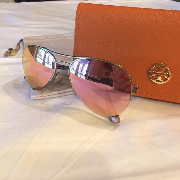 7282d4bac78 Tory Burch Rose Gold Aviator Sunglasses. M 57c8b7f413302a0c39002d2b