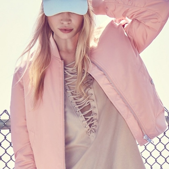 Forever 21 - Dusty Pink Padded Bomber Jacket from ! kate's closet ...