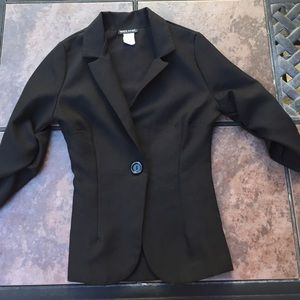 Black 3/4 Sleeve Blazer