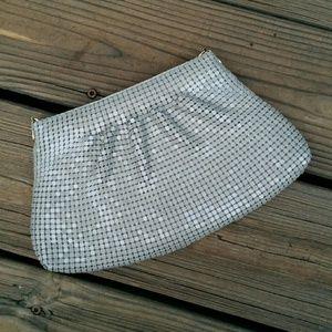 Vintage Handbags - 🚨Vintage Metal Mesh Tan Clutch w/ Shoulder Strap