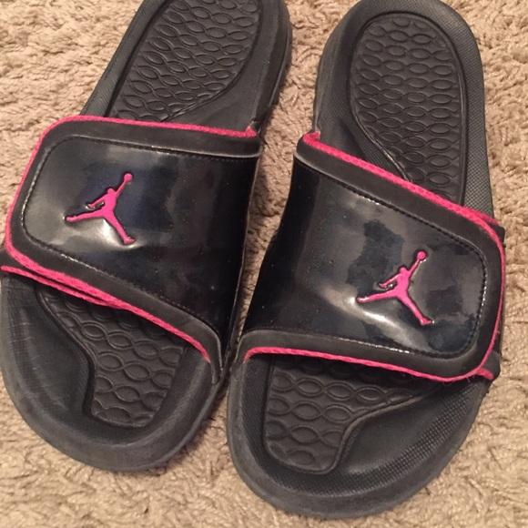 dc8b2d98e4658 Jordan Shoes - Jordan sandals hardly ever worn !