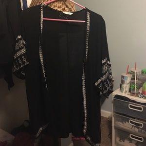 Black and white tillys kimono